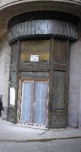 Poarta palatului Bochus. Secesion din plastic